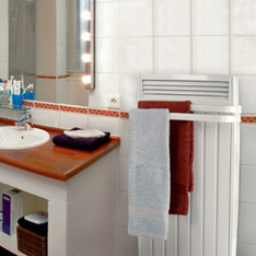 chauffage pour salle de bains aterno. Black Bedroom Furniture Sets. Home Design Ideas
