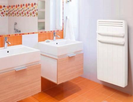 Radiateur s che serviette aterno fonction eco boost for Radiateur salle de bain